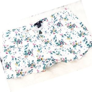 H&M Floral White Shorts 8